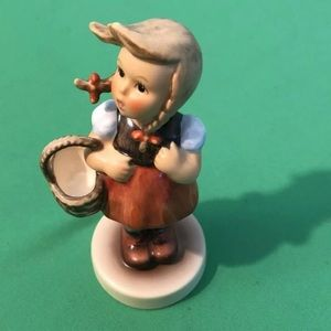 "Hummel Porcelain ""Little Shopper"" Figurine"